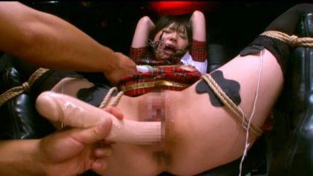 つぼみ 拘束椅子に縛り付けられたアイドルが超激ピストンで犯される 画像