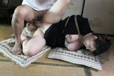 未亡人が義父の奴隷になり緊縛され凌辱レイプされる 画像