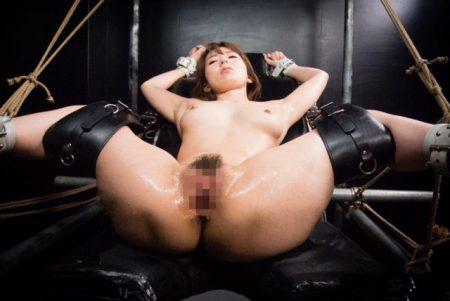 波多野結衣 性犯罪捜査官の女が強姦魔に緊縛され拷問レイプされる 画像