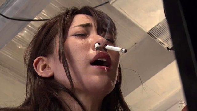 高梨りの JKが引き取られた親戚の家で拷問され鼻でタバコを吸わされる