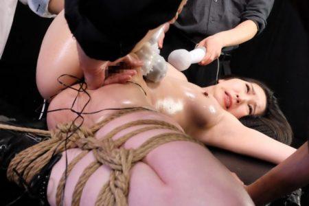 峰ゆり香 元地下プロレスの女王が拘束され電マとバイブで責められる 画像