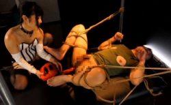 小司あん ロリ女王様がドMの兄を緊縛してマシンバイブでアナルを犯す 画像