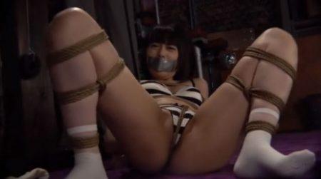 七海ゆあ 監禁された女子大生が下着姿に引ん剝かれ緊縛される 画像