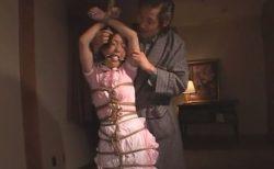 ご主人様に緊縛されたメイドが激しいスパンキングに涙と涎を垂らしながら悶え苦しむwww 画像