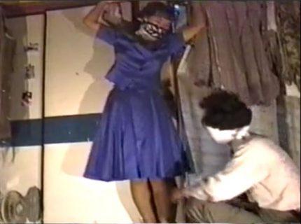 変質者に押し入られた人妻が緊縛されて口にパンツを突っ込まれたまま犯されるwww 画像