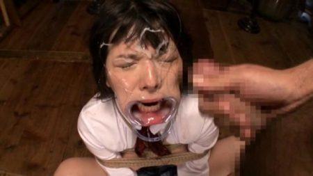 上原亜衣 開口具を付けられた女子校生がイラマチオで口内レイプされる動画 画像