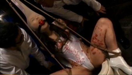 緊縛されたレオタード美女が顔パンストでブサイク顔を晒しながら手マンでマンコを甚振られるwww 画像