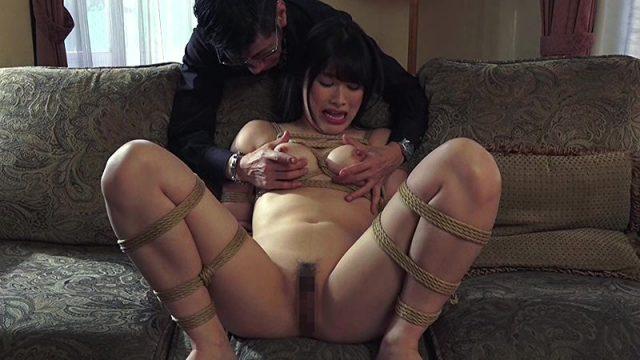 春原未来 緊縛された人妻が口もマンコも乱暴に犯されるハード緊縛調教動画