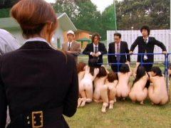 人間家畜牧場に入れられた美女達が拘束され性奴隷にさせられる動画 画像