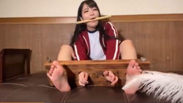 いたいけYouTuberのんちゃんが手足を拘束されてくすぐり拷問にヨダレ垂らして悶えるwww