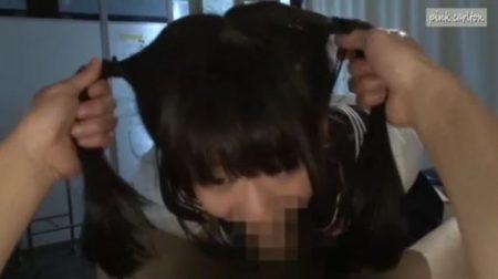緊縛された女子校生がハンドルフェラで口内を犯され大量ザーメンを発射されちゃうwww 画像