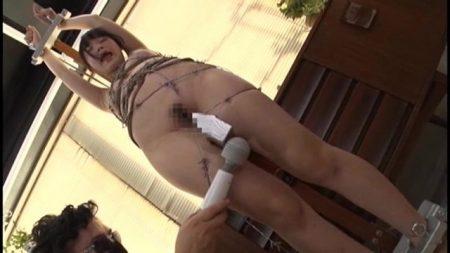 宮崎あや 可愛い教育実習生が先輩女教師の嫉妬を買い緊縛調教される動画 画像