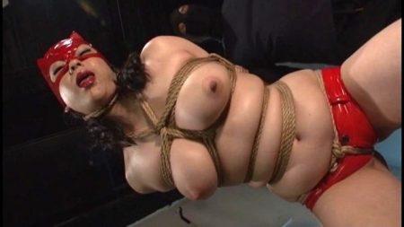 児玉るみ ドSの女警護官が緊縛されて涎を垂らしながらチンポをしゃぶる動画 画像
