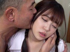 生け贄にされた連れ娘 母が黙認する中、男達に肉玩具に仕込まれる 加賀美さら(6)