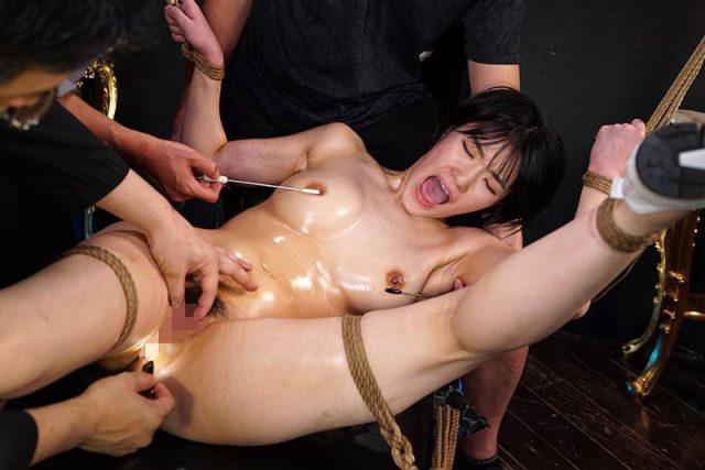 東条蒼 監禁されたアスリートが緊縛されてマンコを犯されまくる動画