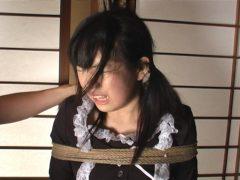 顔の形が変わるほどビンタを受けたいマゾ女たち(6)