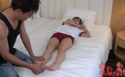 ブルマ美少女が足裏を執拗にくすぐられて悶絶しちゃう動画 画像